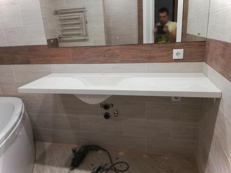Литая белая столешница с раковиной из гранита для ванной