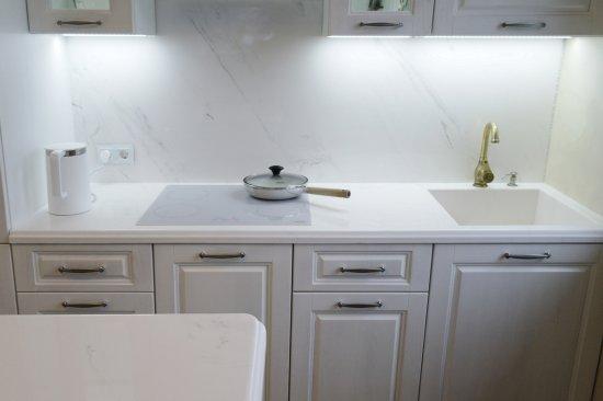 Столешницы из искусственного камня на кухню:Кухня